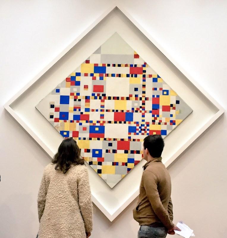 Salah satu lukisan Piet Mondriaan yang terkenal, yang terakhir dan belum sepenuhnya selesai yaitu Victory Boogie Woogie