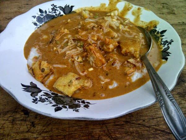 Tajin Palappa pakai hongkong (ote ote). Kalau di rumah Orangtua, setiap pagi saya bisa sarapan ini. Sumber foto http://kooliner.com/blog/main-ke-baluran-nikmati-tajin-palappa-situbondo/