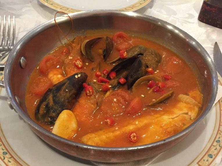 Sup Tomat Seafood plus potongan cabe rawit
