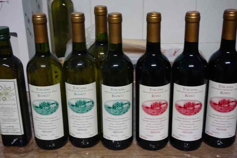 Wine dan Olive Oil produksi dari San Gimignano