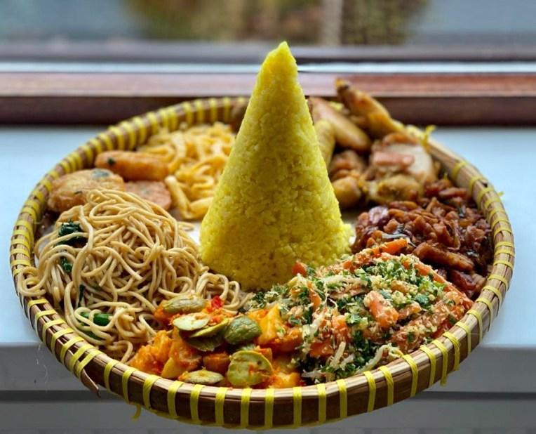 Tumpeng Nasi Kuning Tahun Baru 2020