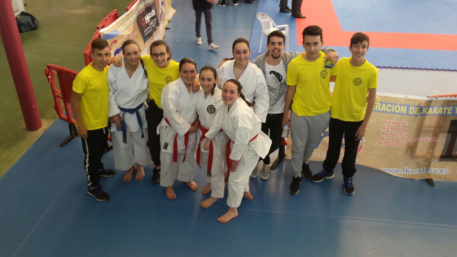 El club de Karate de Canals participa al campionat autonòmic de Xest