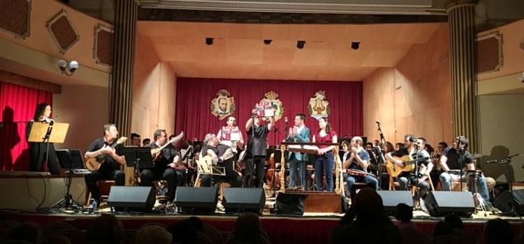 L'espectacle Botifarra a Banda emociona i retorna al passat en la Font de la Figuera