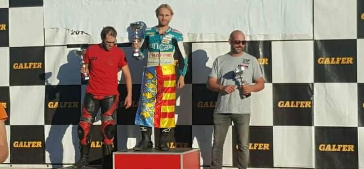 El piloto canalense José Vte Navalón triunfa en el campeonato Aragonés