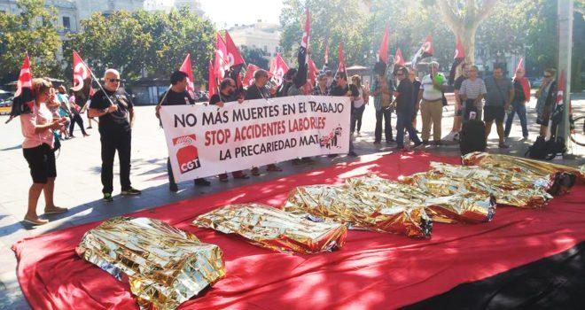 CGT protesta a València contra la precarietat i les morts en el treball