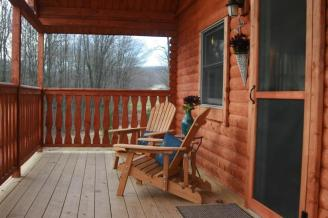 Brandywine log home porch