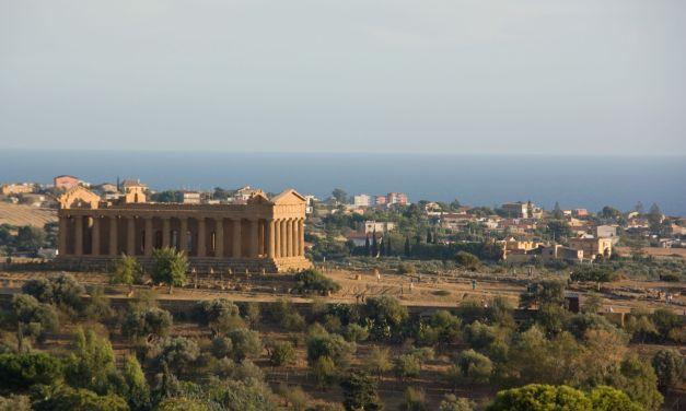 """Easy Rough Guide su Agrigento: """"Offesa alla città e ai suoi imprenditori"""""""