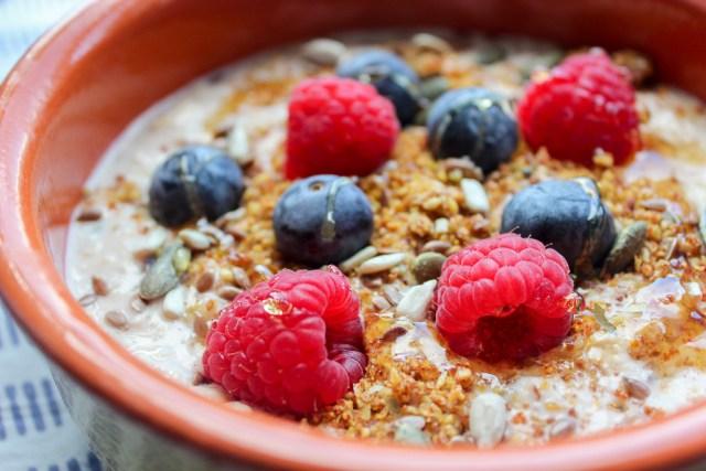 Berry Vanilla Overnight Oats Recipe