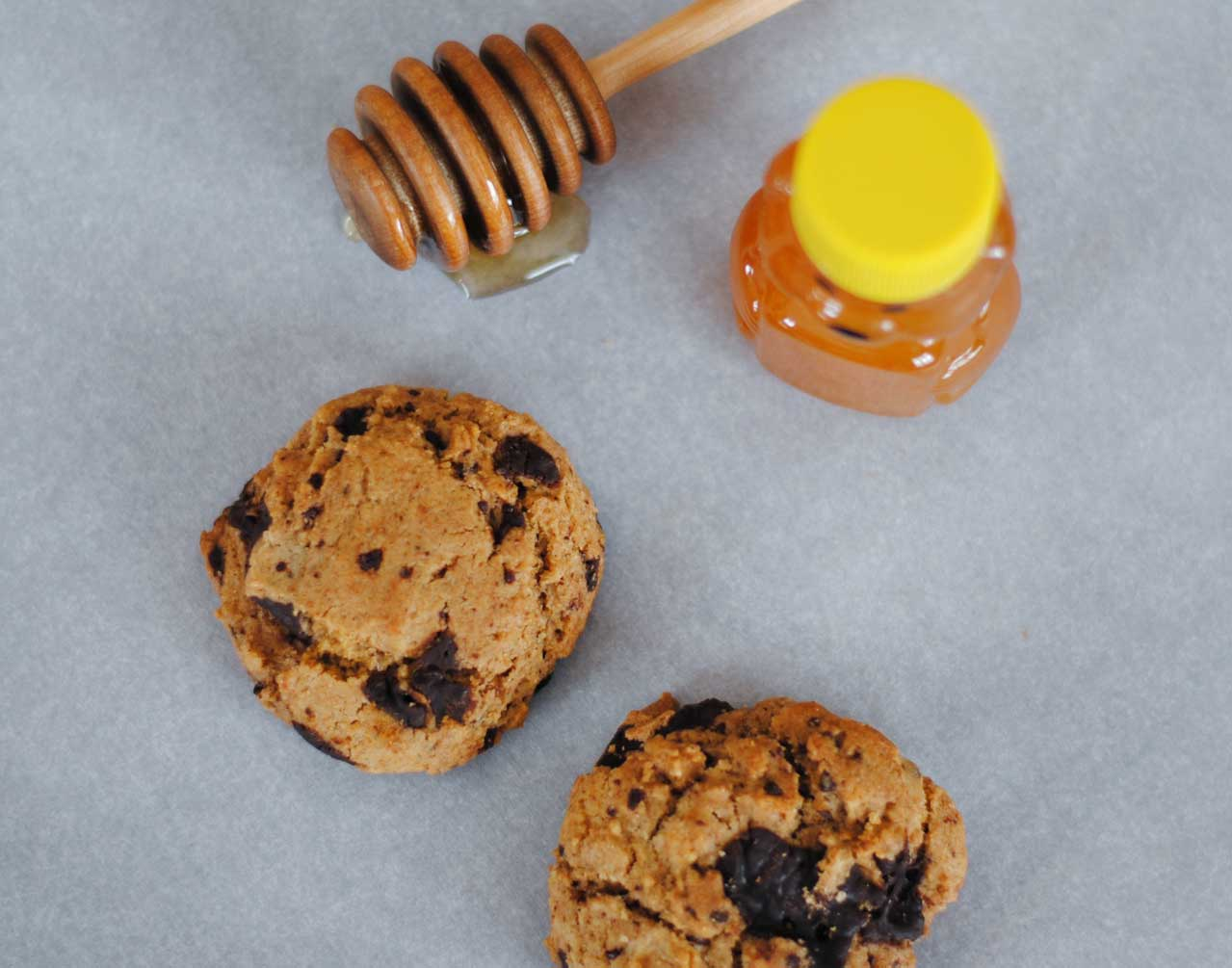 Whole Wheat Honey Chocolate Chunk Cookies | Confessions of ...