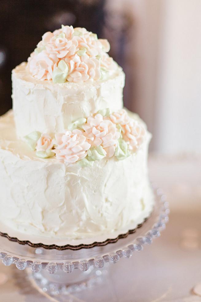 25 Amazing AllWhite Wedding Cakes