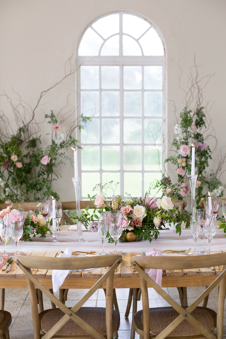Delicate Blush Ivory  Gold Wedding Tablescape Ideas