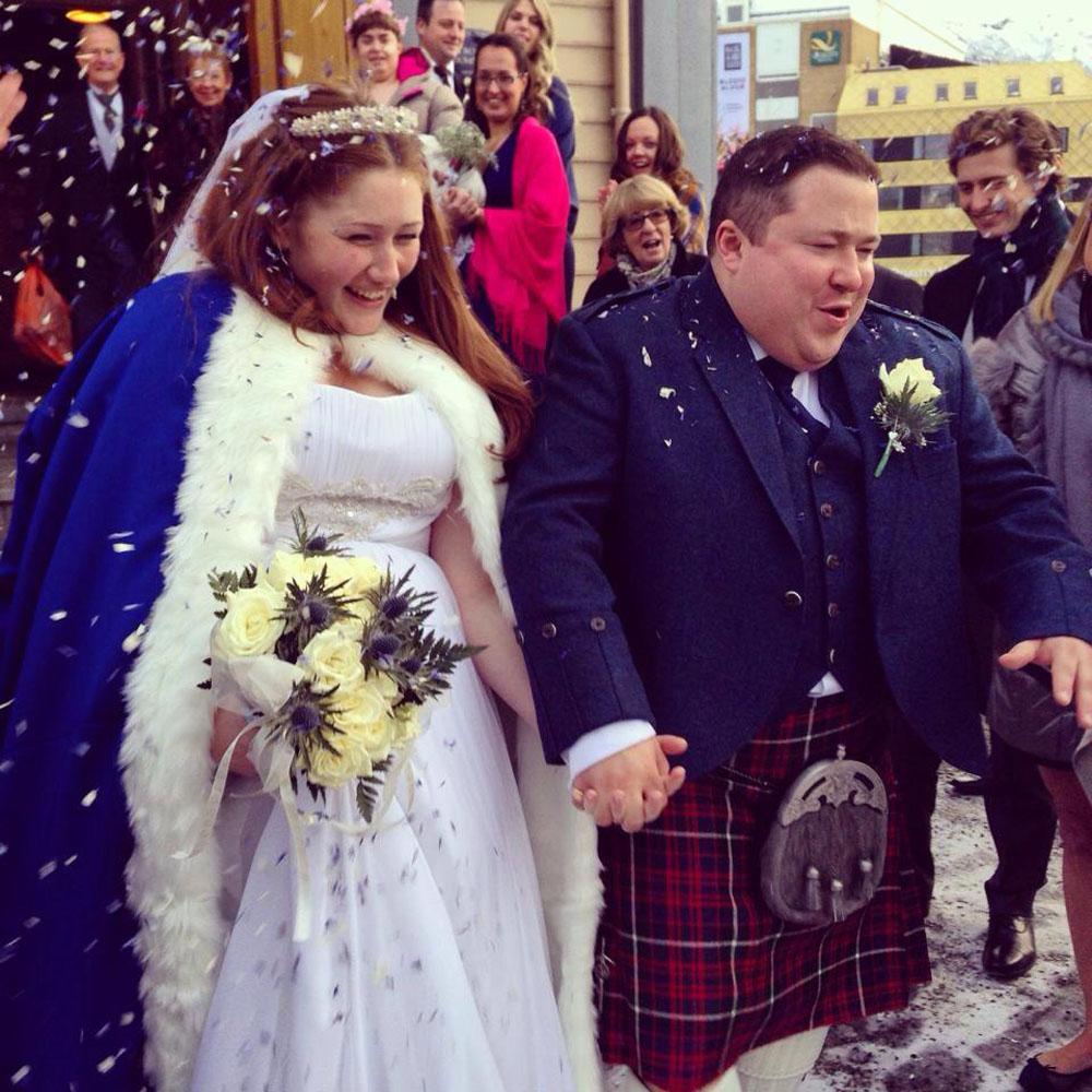 Christmas Wedding Confetti - confetti moment