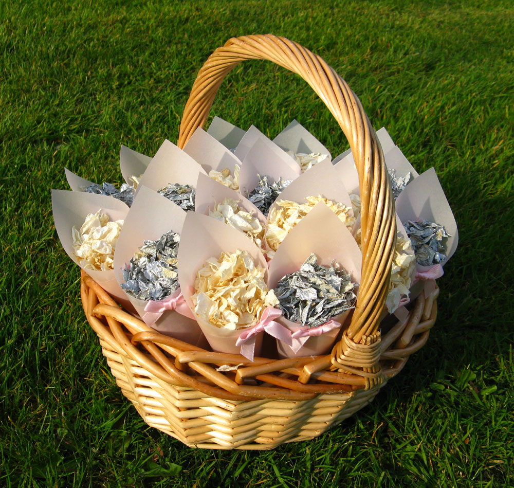 Petal Confetti - Delphiniums, Wildflowers and Lavender - Oval confetti Basket