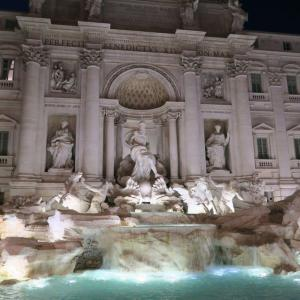 visiting rome Trevi Fountain Confetti Travel Cafe