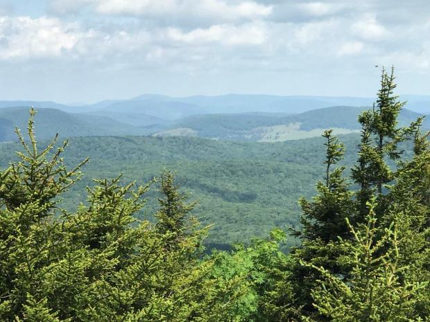 horseback riding in West Virginia