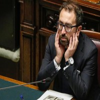 Il Ministro della (In)Giustizia blinda due concorsi per favorire i giudici onorari e gli avvocati