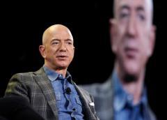 Monde : Jeff Bezos cède la direction d'Amazon à Andy Jassy