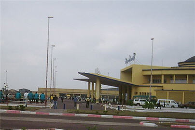 https://i0.wp.com/www.congoplanet.com/pictures/news/aeroport_ndjili_kinshasa_congo.jpg