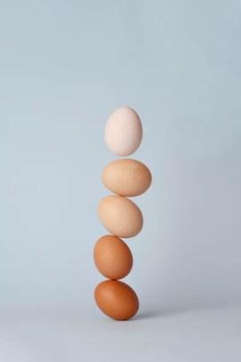 Balancing eggs