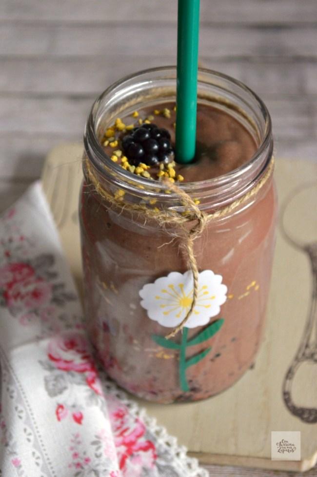 Batido de Chocolate y Moras | CON HARINA EN MIS ZAPATOS