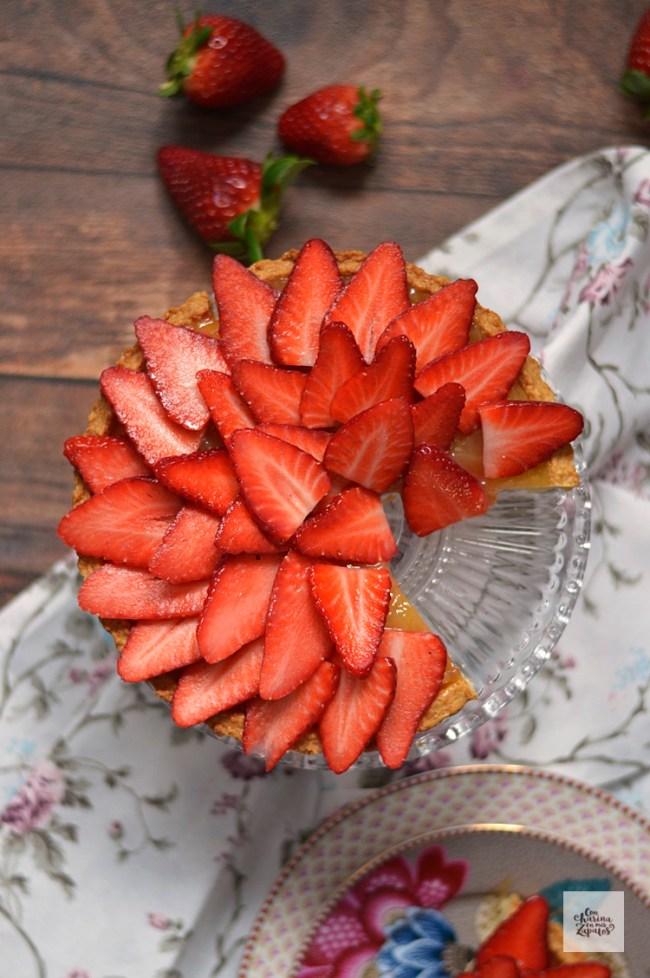 Tarta de Fresas y Lemon Curd | CON HARINA EN MIS ZAPATOS