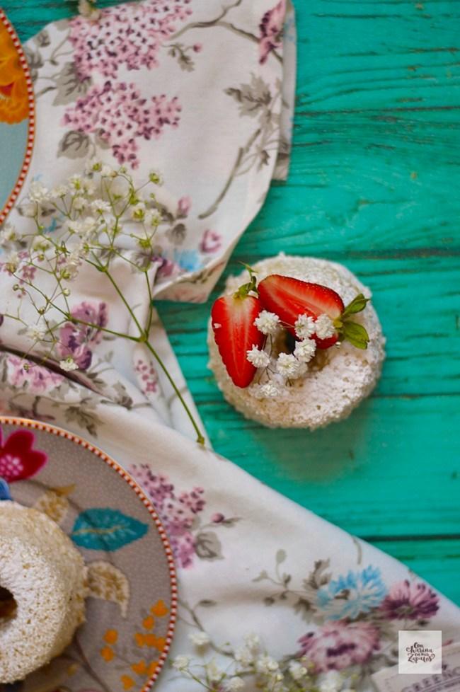 Angel Food Cake de Cardamomo | CON HARINA EN MIS ZAPATOS