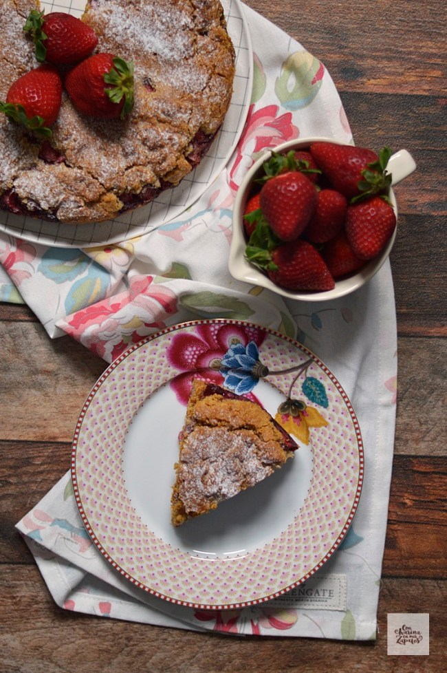Pastel de Fresas y Almendra | CON HARINA EN MIS ZAPATOS