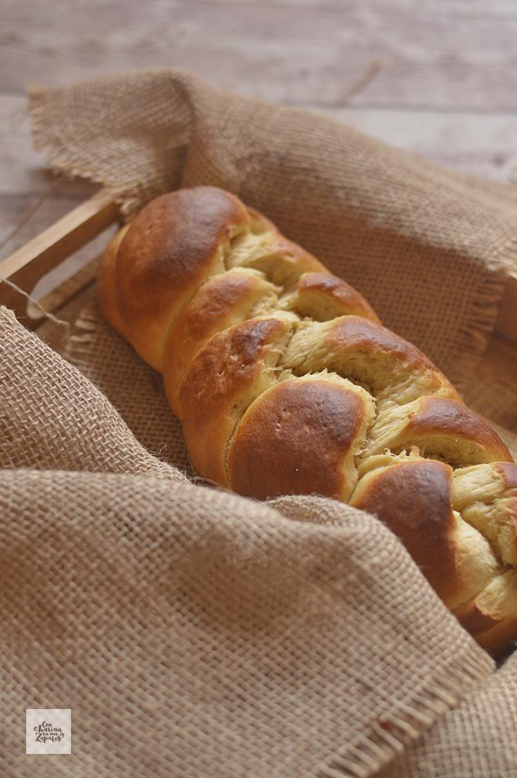 Tsoureki. Pan de Pascua griego.