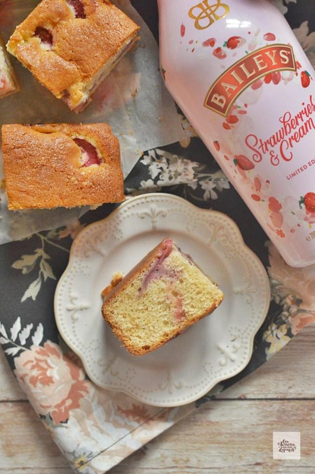 Bizcocho de Fresas y Baileys| CON HARINA EN MIS ZAPATOS