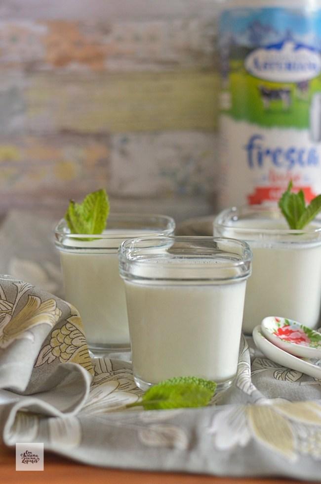 Yogures de Coco | CON HARINA EN MIS ZAPATOS