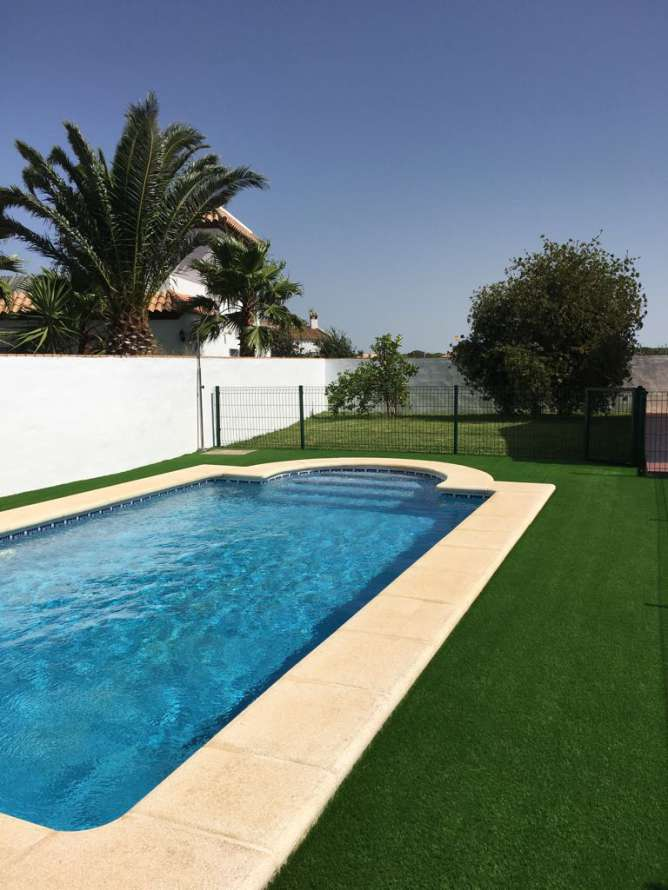 Alquileres por semana o quincena. Alquiler chalet con piscina en Conil en roche viejo Cadiz ...