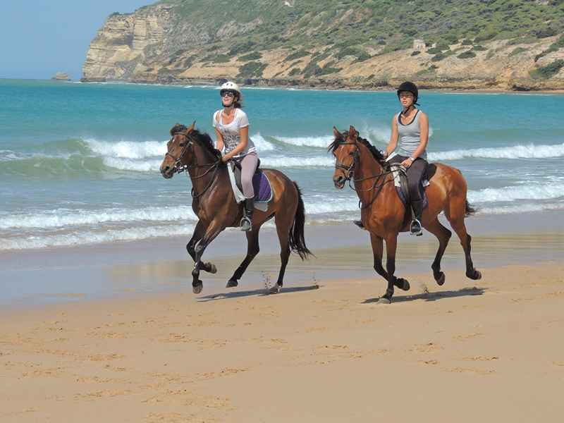 horse riding around Spain