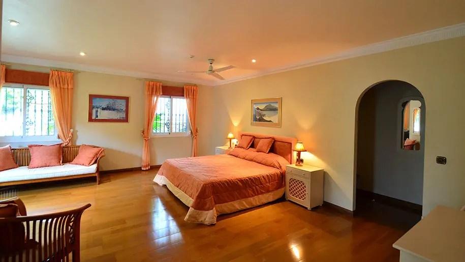 bedroom luxury holiday villa in nerja