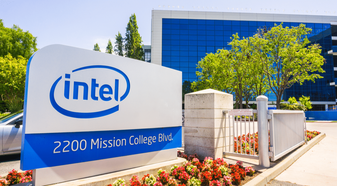 Apple in Advanced Talks with Intel to Buy Smartphone Modern Chip Business
