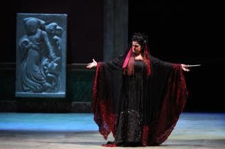 Medea, Teatro Ponchielli di Cremona (2010). Photo credit: Raffaele Rastelli