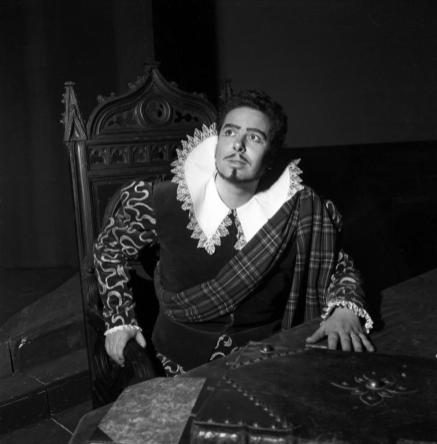 Rolando Panerai in Lucia di Lammermoor, Teatro alla Scala 1954 - Photo credit: Erio Piccagliani