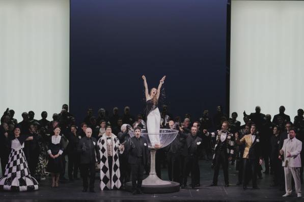 La traviata - Photo credit: Michele Monasta