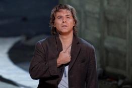 Roberto Alagna nei panni di Don José in Carmen