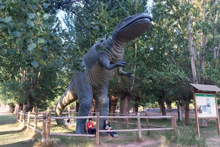 maqueta-dinosaurio-galve
