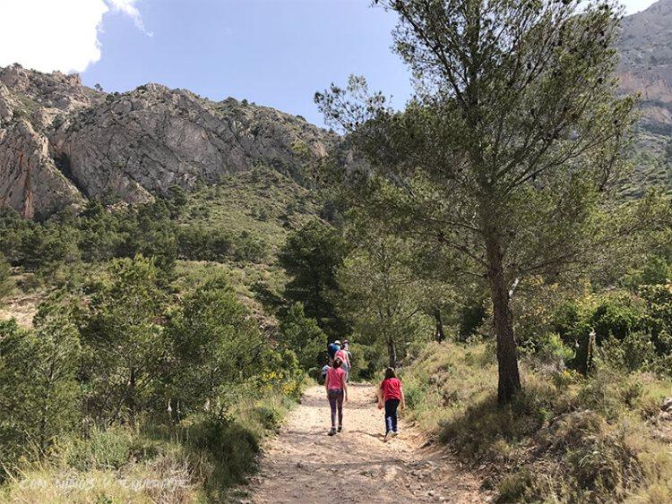 Ruta por las Cuevas del Canelobre