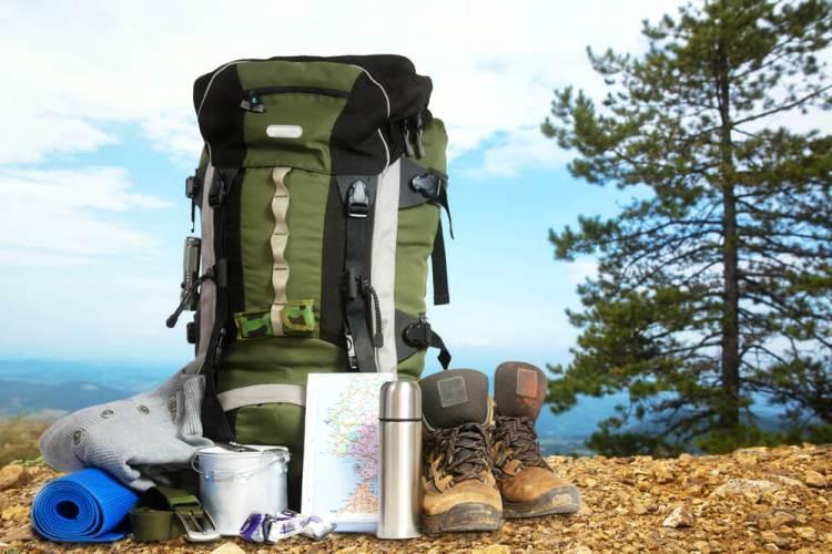 Qué Llevar en la Mochila para Un Campamento