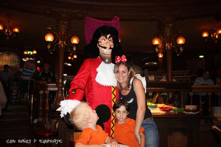 El Capitán Garfio en Disneyland París