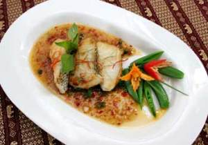 Pla Cod Phad Prig Daeng