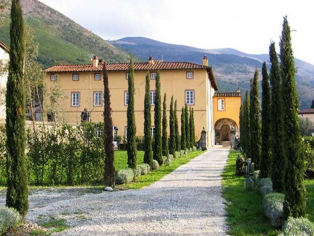 Villa-Lucia_entrance