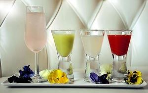 Harvey Nichols-flower-cocktail-flight
