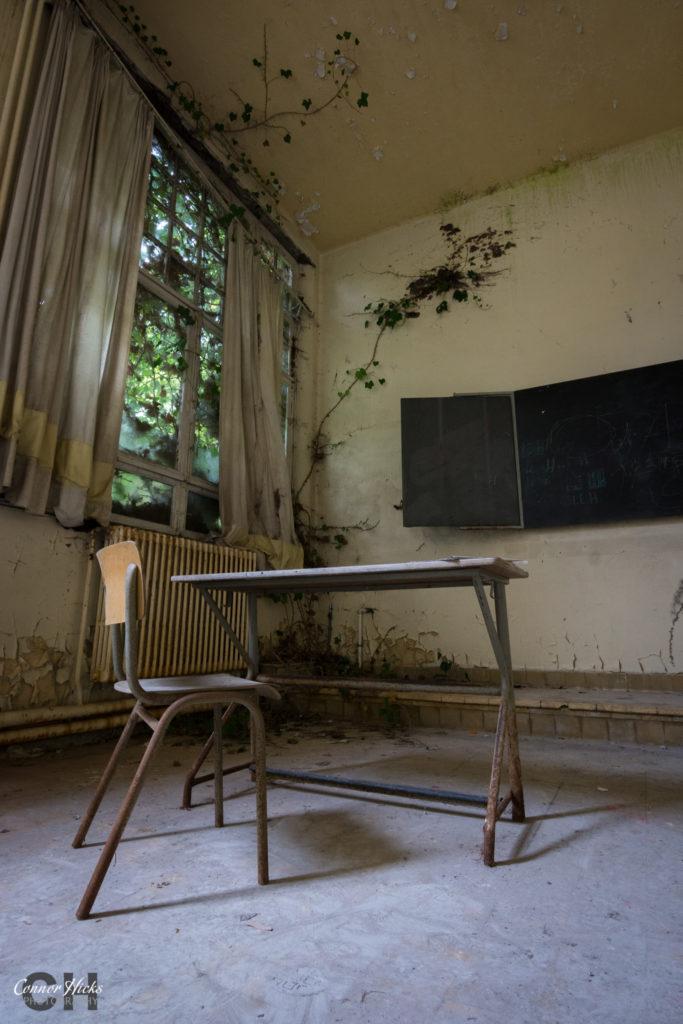 The Green School Urbex Belgium Classroom 683x1024 The Green School, Belgium