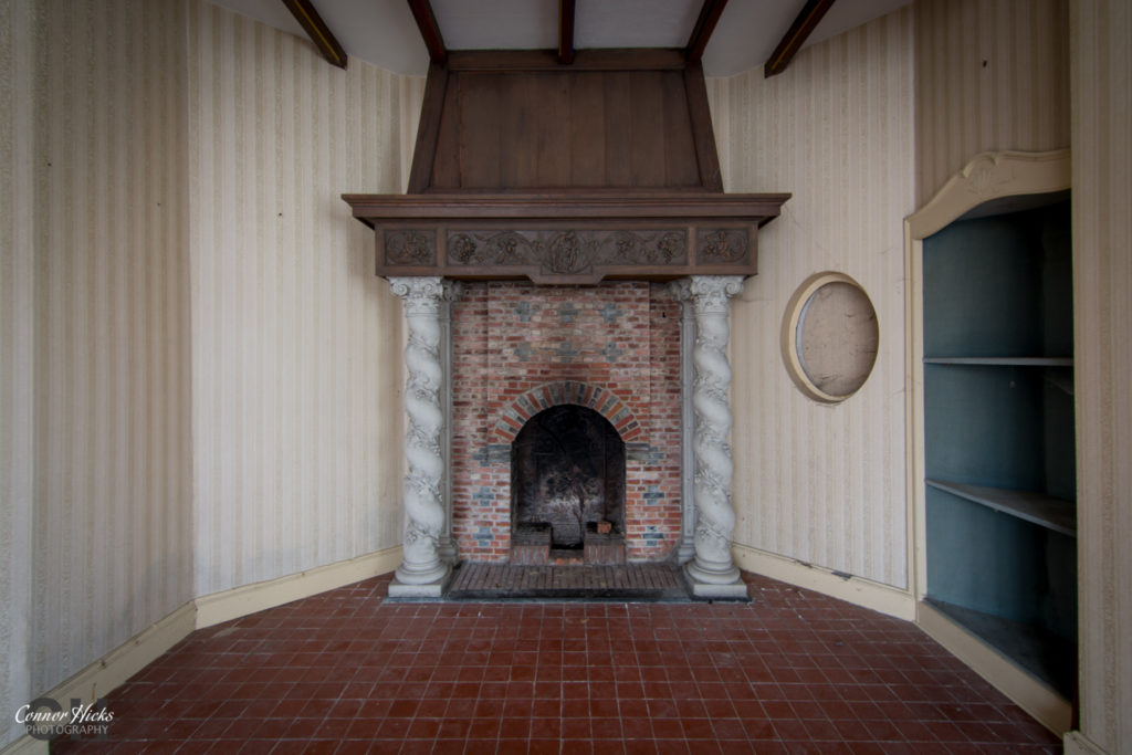 Dentists house fireplace 1024x683 Dentists House, Belgium