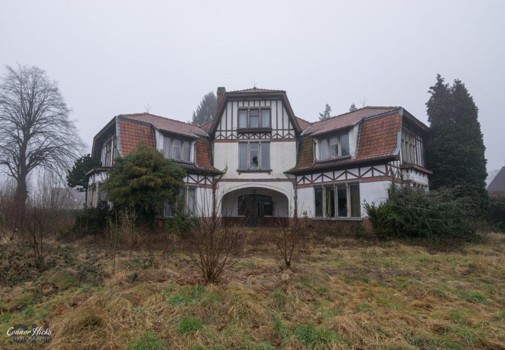 belgium dentists house urbex 1024x710 Dentists House, Belgium