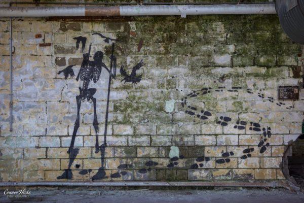 belgium urbex warehouse graffiti 1024x683 Skeleton Warehouse, Belgium