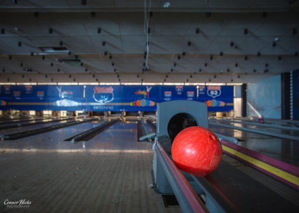 bowling world belgium urbex 1024x731 Bowling World, Belgium